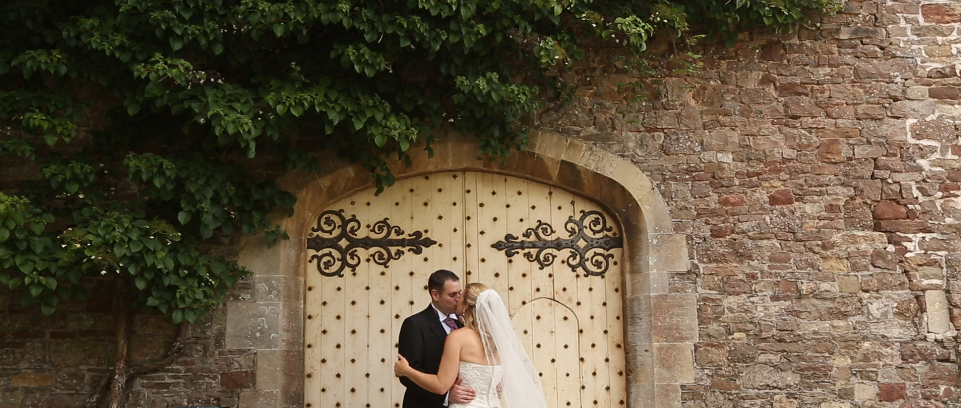 thornbury-castle-wedding-videography-ronelle-damon-video