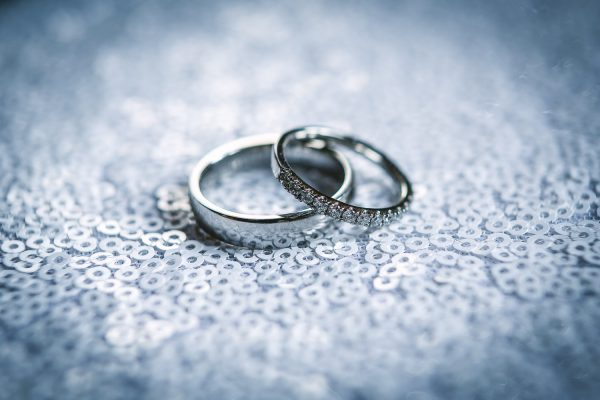 white-villa-photography-films-price-list-video-banner-wedding-rings-001